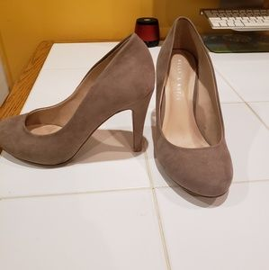 Kelly and Katie nude heels! Size 8